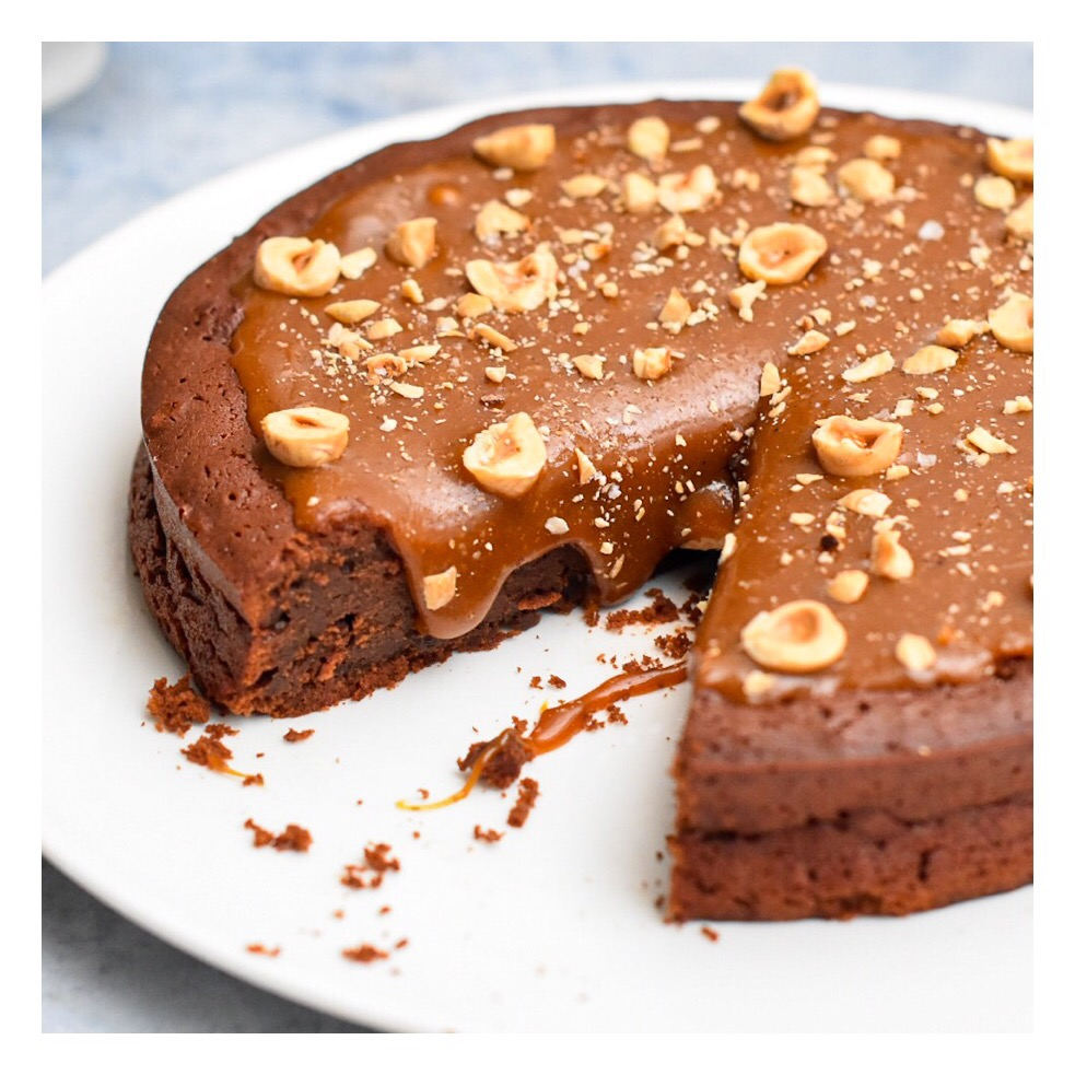 Brownie caramel, fleur de sel & noisette
