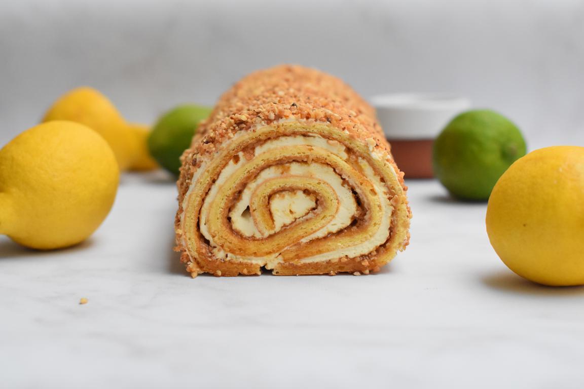Bûche roulée praliné noisette & citron (Cyril Lignac)