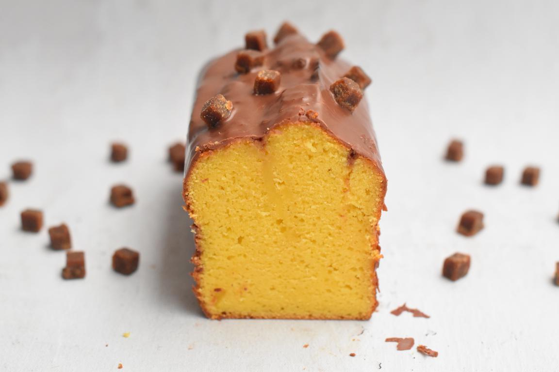 Cake au fruit de la passion, glaçage chocolat au lait