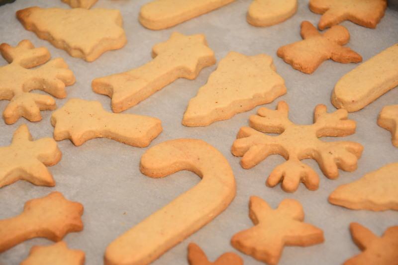 alt christmascookies3