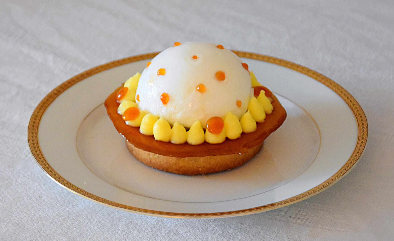 Ile flottante en tartelette (fraise, fleur d'oranger), 3ème du concours Fou de Pâtisserie