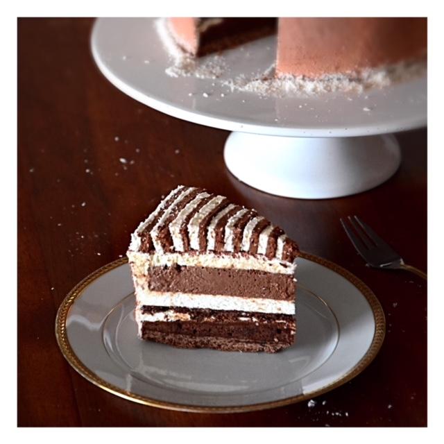Entremets chocolat, noix de coco & guimauve (concours amateur Valrhona)