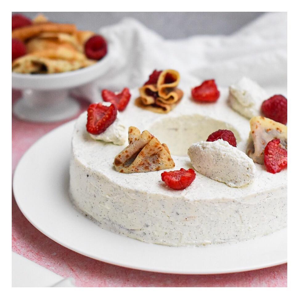 Gâteau de crêpes, confit de framboise & vanille