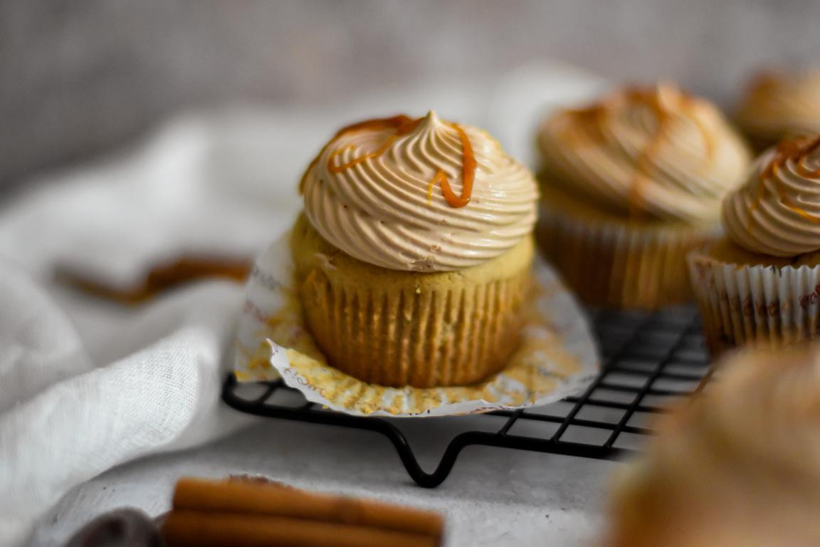 Muffins cannelle, caramel & chocolat au lait