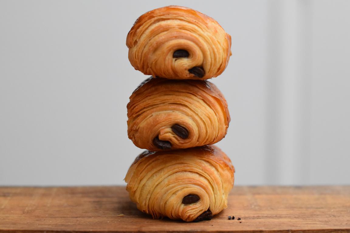 Pains au chocolat & croissants